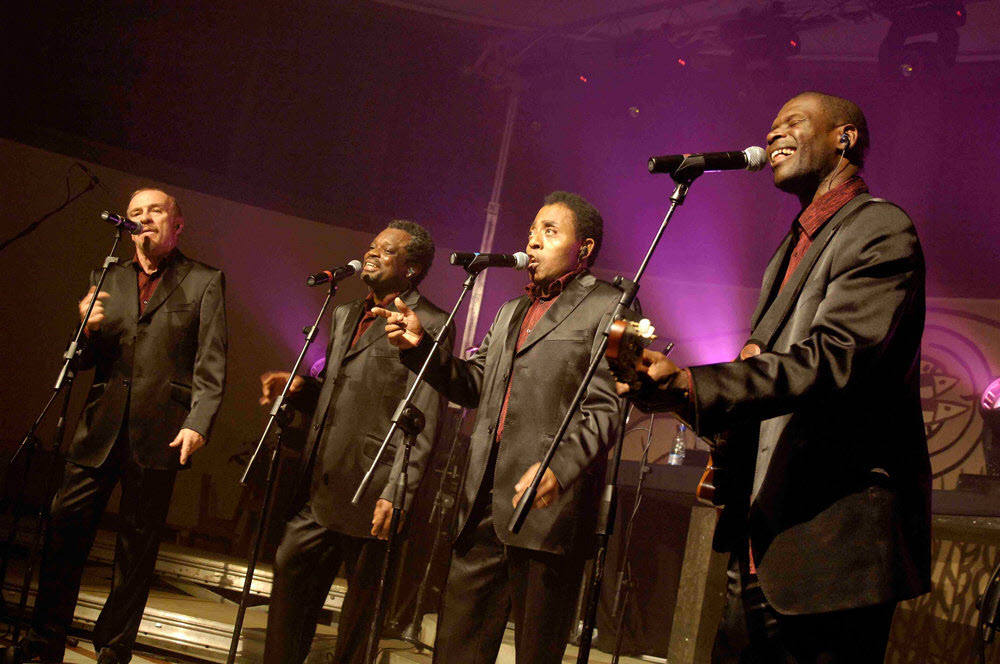 2.-Emmanuel-Djob-avec-son-quartet-By-The-Gospel-River