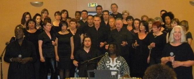 le-montaud-vocal-avec-emmanuel-djob-a-ete-ovationner-par-un_1425033_667x333